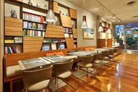 98163_004_Restaurant