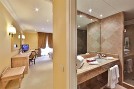 98182_005_Guestroom