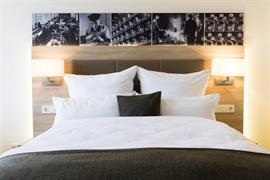 95353_002_Guestroom