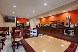 05323_005_Restaurant