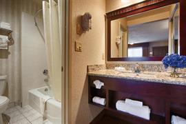 05323_007_Guestroom