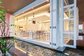 99360_004_Restaurant