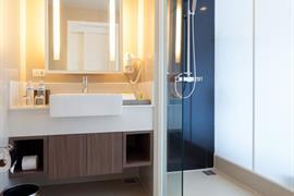 99360_007_Guestroom