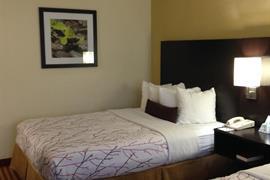 41087_003_Guestroom