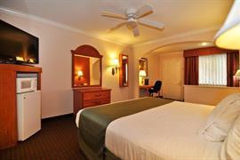 44428_006_Guestroom