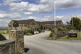pennine-manor-hotel-grounds-and-hotel-14-83985