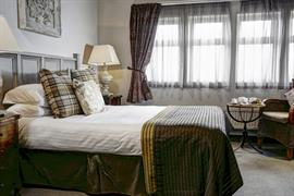 pennine-manor-hotel-bedrooms-03-83985