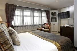 pennine-manor-hotel-bedrooms-04-83985