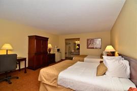 32103_002_Guestroom