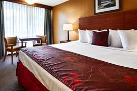 39002_006_Guestroom