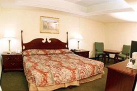 70144_002_Guestroom