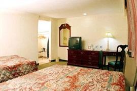 70144_004_Guestroom