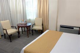 70144_007_Guestroom