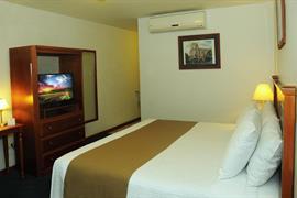 70154_006_Guestroom