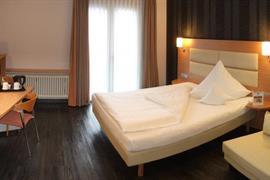 95416_005_Guestroom