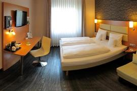 95417_006_Guestroom