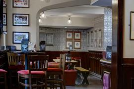 plough-and-harrow-dining-03-84227