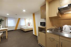 95478_005_Guestroom
