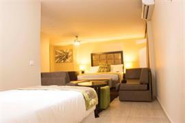 75303_003_Guestroom