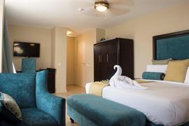 75303_005_Guestroom