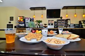 44669_004_Restaurant