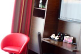 89143_006_Guestroom