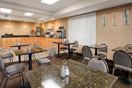 05696_005_Restaurant