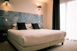 93851_001_Guestroom