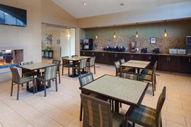 14193_004_Restaurant