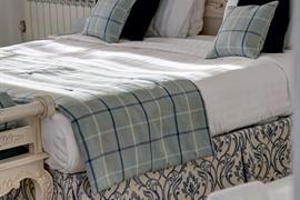 aston-hall-hotel-bedrooms-38-83959-OP