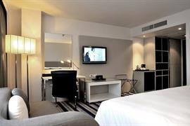 99353_006_Guestroom