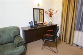 91232_002_Guestroom