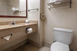 31051_005_Guestroom
