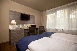 95273_004_Guestroom