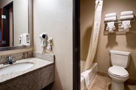 44683_007_Guestroom