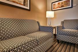 44664_006_Guestroom