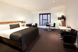 97362_000_Guestroom