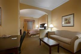 37112_007_Guestroom