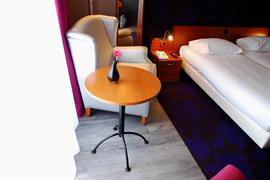 92733_003_Guestroom