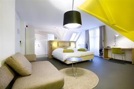 92733_006_Guestroom