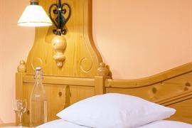95293_005_Guestroom