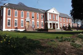 manor-hotel-meriden-grounds-and-hotel-01-83947
