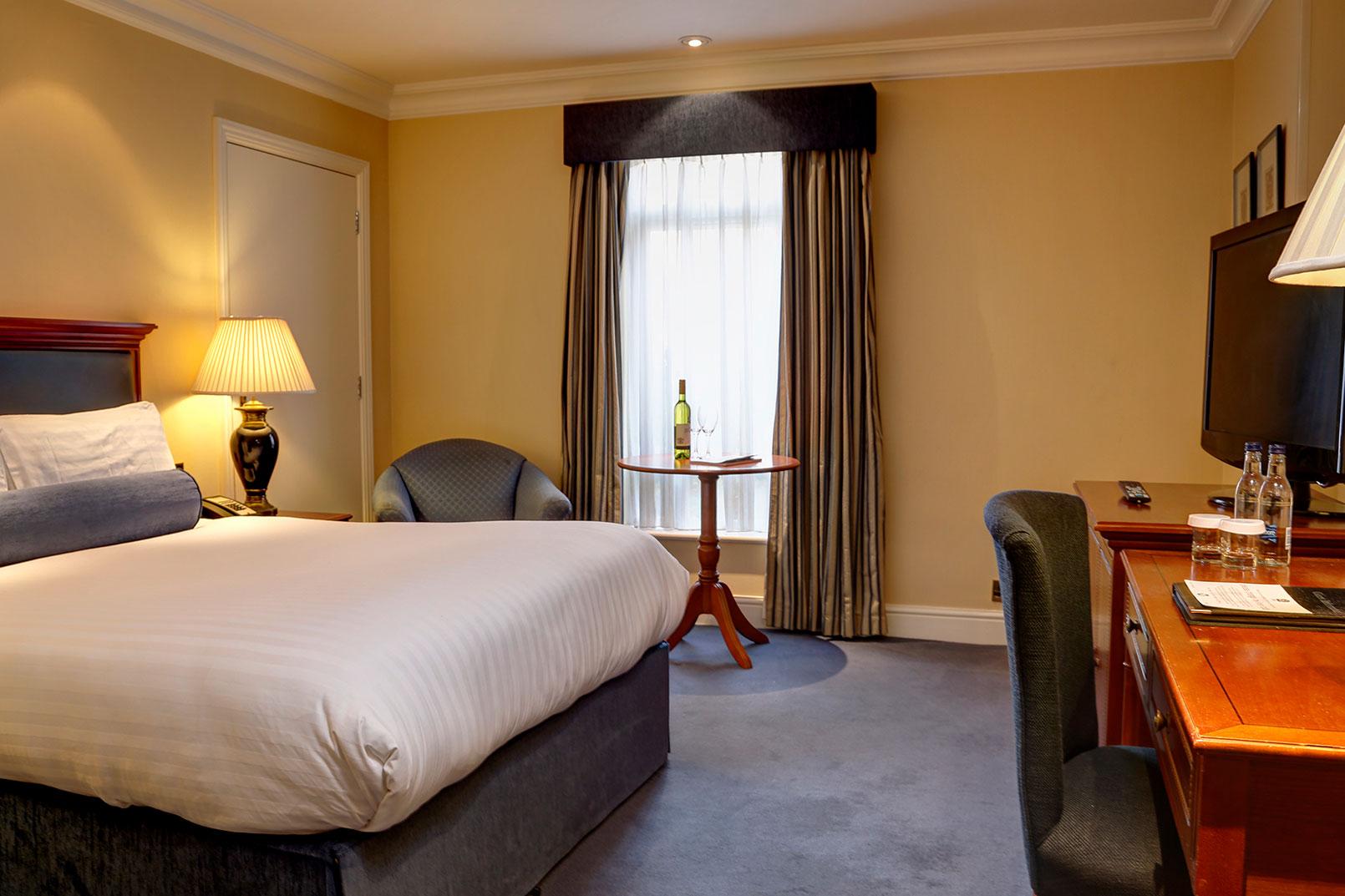 Best western plus birmingham nec meriden manor hotel - 2 bedroom suites in birmingham al ...