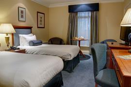 manor-hotel-meriden-bedrooms-10-83947
