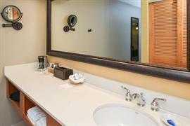 05084_045_Guestroom