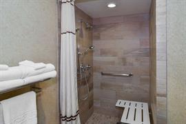 05084_052_Guestroom