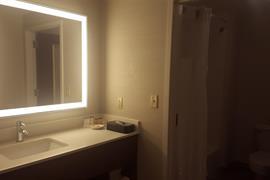22046_007_Guestroom