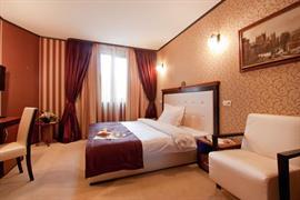 77706_006_Guestroom