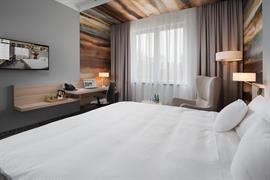 81034_005_Guestroom