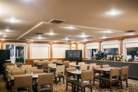 13037_006_Restaurant